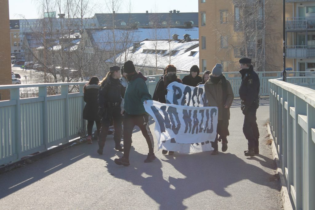 """Anti-racist"" activists demonstrate against the Nordic Resistance Movement in Umeå"