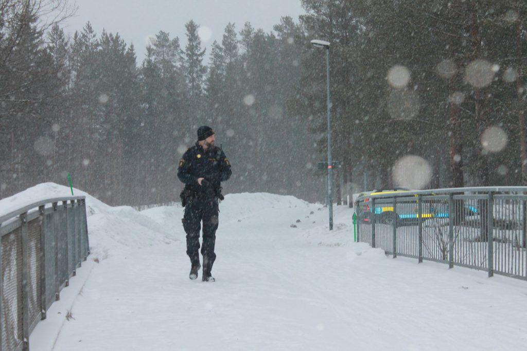 Policeman at NRM activity in Umeå