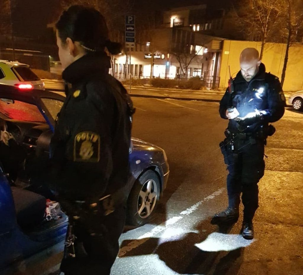 Nyköping police harass a Nordic Resistance Movement member via an unwarranted stop and search