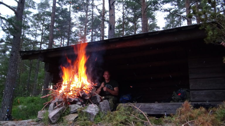 Nordic Resistance Movement Nest 2 wilderness activity
