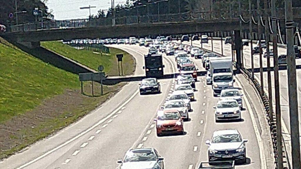Traffic at NRM 1 May activism 2021
