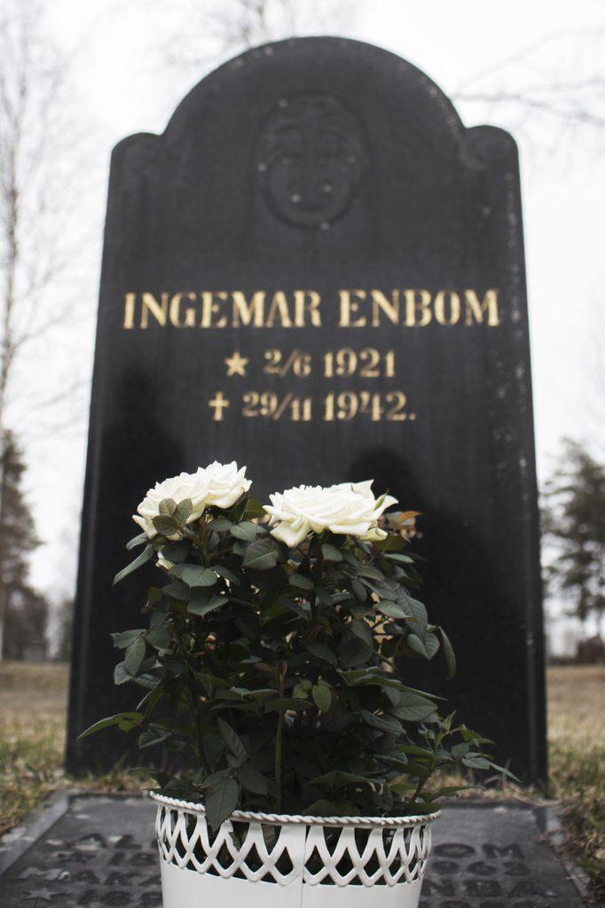 Ingemar Enbom's grave