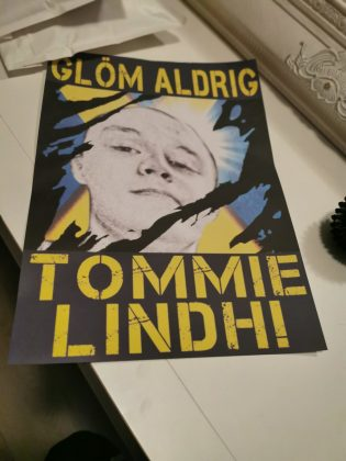 """""""Never forget Tommie Lindh"""" poster"""