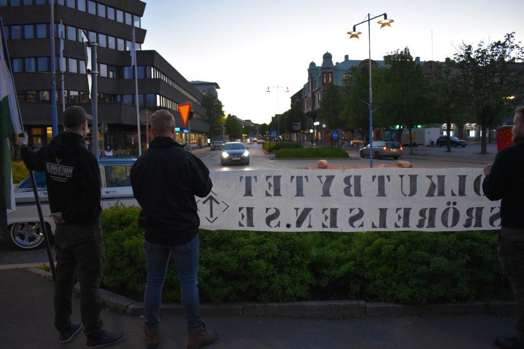 NRM Nest 7 public banner activism